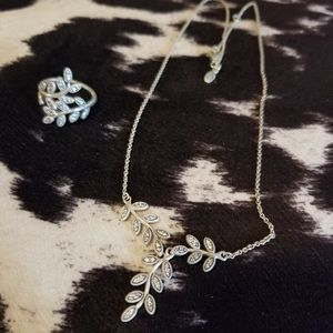 Pandora Sparkling Leaves Necklace and Ring Set.